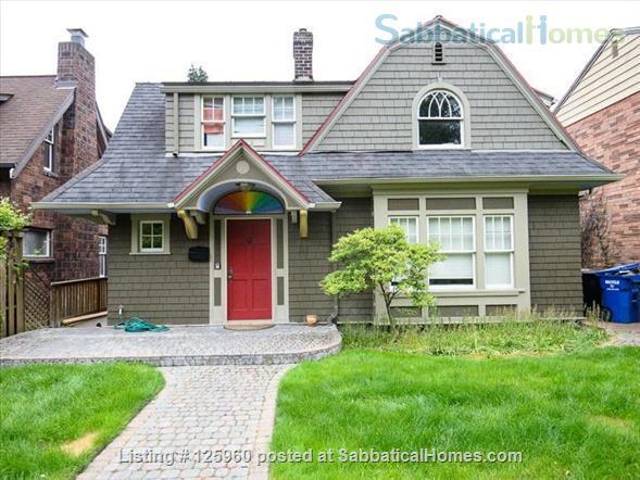 3 Bedroom Home, Walk to University of Washington Home Rental in Seattle, Washington, United States 1
