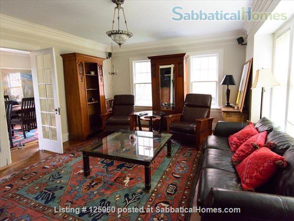 3 Bedroom Home, Walk to University of Washington Home Rental in Seattle, Washington, United States 0