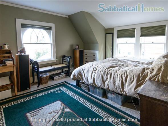 3 Bedroom Home, Walk to University of Washington Home Rental in Seattle, Washington, United States 4