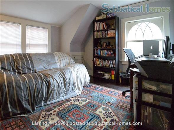 3 Bedroom Home, Walk to University of Washington Home Rental in Seattle, Washington, United States 5