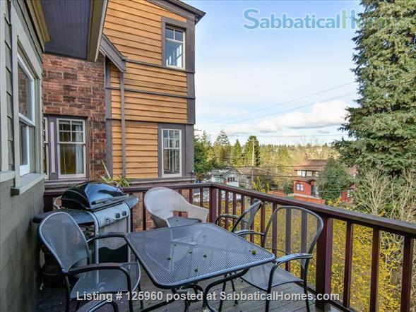 3 Bedroom Home, Walk to University of Washington Home Rental in Seattle, Washington, United States 8