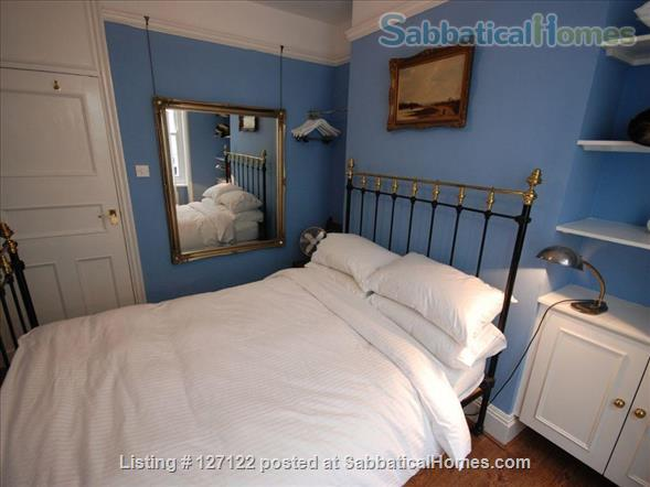 Characterful 1 bed flat in period Fitzrovia mansion block with roof terrace. Home Rental in Fitzrovia, England, United Kingdom 3