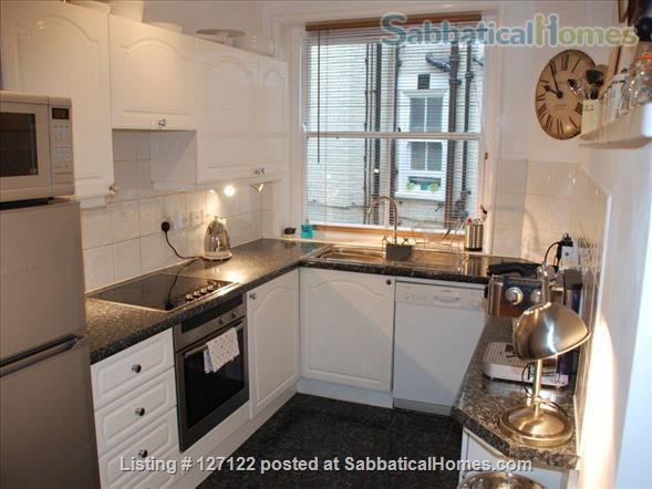 Characterful 1 bed flat in period Fitzrovia mansion block with roof terrace. Home Rental in Fitzrovia, England, United Kingdom 5
