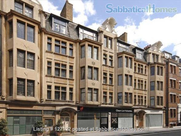 Characterful 1 bed flat in period Fitzrovia mansion block with roof terrace. Home Rental in Fitzrovia, England, United Kingdom 7