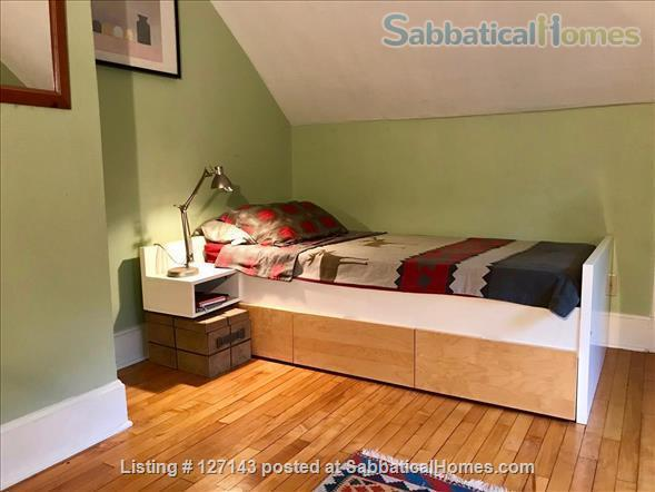 Cozy Bungalow Walking Distance to UW Campus Home Rental in Madison, Wisconsin, United States 9