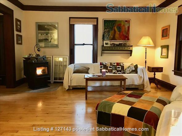 Cozy Bungalow Walking Distance to UW Campus Home Rental in Madison, Wisconsin, United States 0