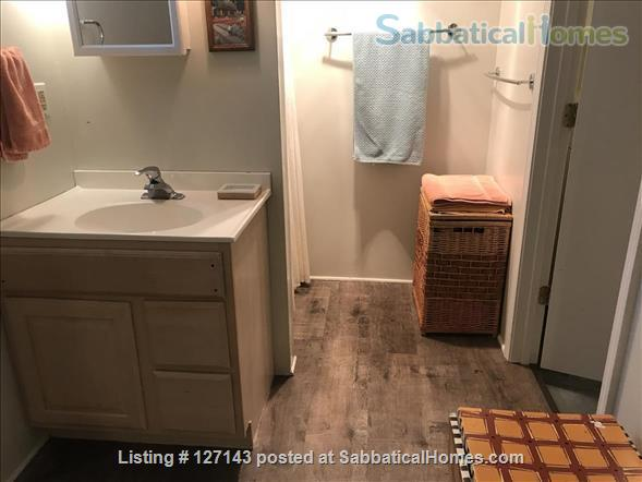 Cozy Bungalow Walking Distance to UW Campus Home Rental in Madison, Wisconsin, United States 7
