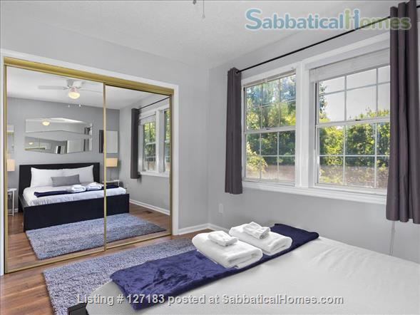 Fully Furnished - Spacious & Charming - UNC Home - Stylish Townhome Home Rental in Carrboro, North Carolina, United States 3