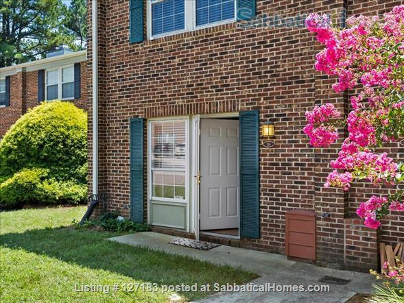 Fully Furnished - Spacious & Charming - UNC Home - Stylish Townhome Home Rental in Carrboro, North Carolina, United States 7