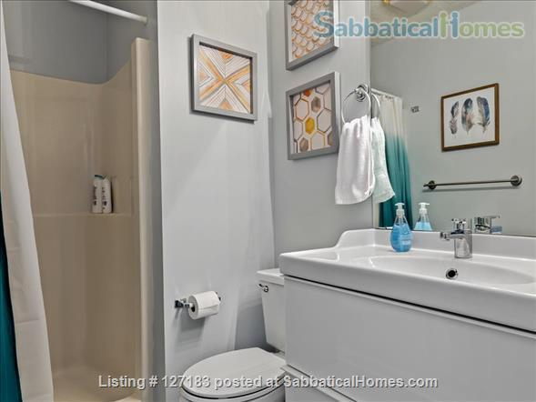 Fully Furnished - Spacious & Charming - UNC Home - Stylish Townhome Home Rental in Carrboro, North Carolina, United States 8