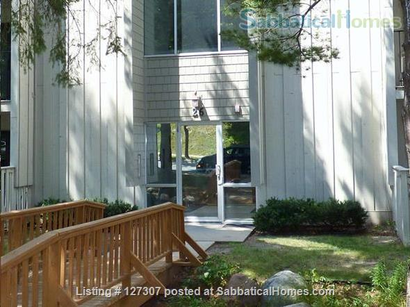Two bedroom condo close to University of Minnesota, Twin Cities Home Rental in Minneapolis, Minnesota, United States 1