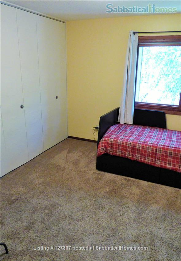 Two bedroom condo close to University of Minnesota, Twin Cities Home Rental in Minneapolis, Minnesota, United States 4