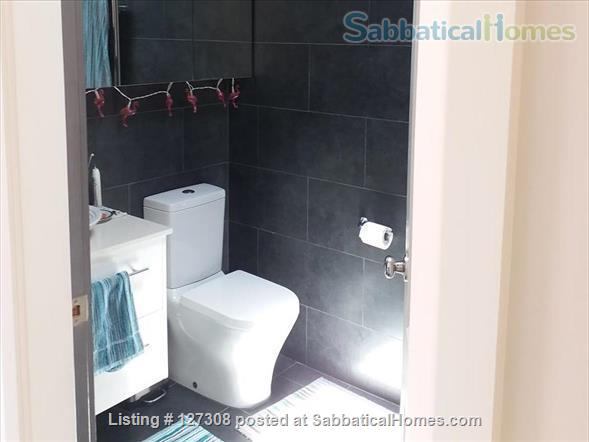 Beautiful Two Bedroom Glebe Terrace - Close to the University of Sydney Home Rental in Glebe, New South Wales, Australia 9