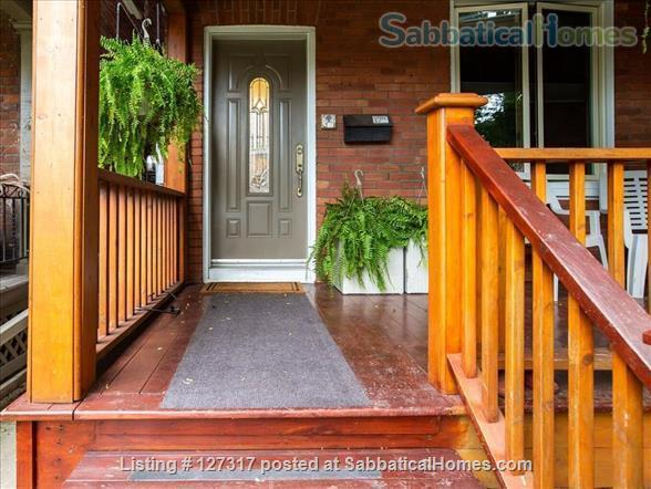 "Three bedroom duplex, "" Gem in the city"" on a quiet leafy street, walkable access to everything! Home Rental in Toronto, Ontario, Canada 0"