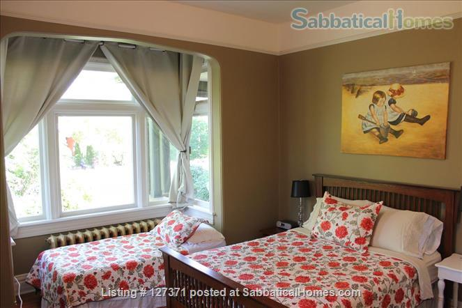Walk to inner harbour. 2 Bdrm fully furnished suite  (with parking)  in Heritage Inn  Home Rental in Victoria, British Columbia, Canada 3