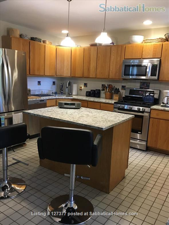 Large 1+bedrooms, 2 studies, 2 baths near Harvard, MIT. Home Rental in Somerville, Massachusetts, United States 2