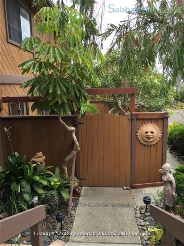 Furnished, 2 bdm, 1.5 ba, Cardiff by the Sea (North San Diego area), Townhome Home Rental in Encinitas, California, United States 3