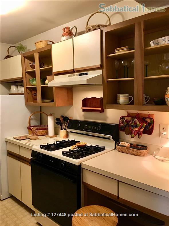 Spacious & comfortable one-bedroom condo. Fully Furnished. Minutes to Yale. Home Rental in Hamden, Connecticut, United States 8
