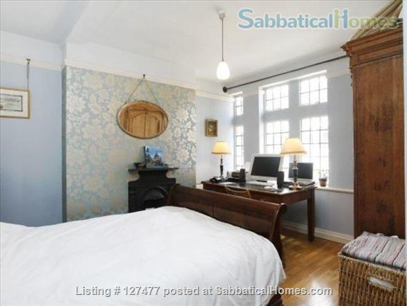 Charming and characterful 3-bedroom apartment in the heart of London Home Rental in Fitzrovia, England, United Kingdom 0