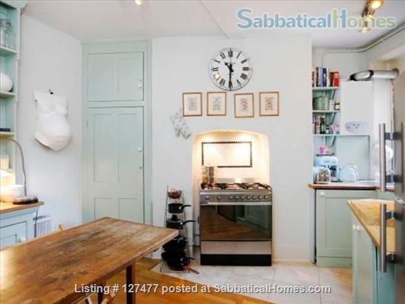 Charming and characterful 3-bedroom apartment in the heart of London Home Rental in Fitzrovia, England, United Kingdom 2
