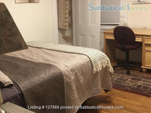 Spacious 2 bedroom in riverside between MIT and Harvard. Home Rental in Cambridge, Massachusetts, United States 0