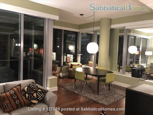 Fashionable Downtown Seattle Condo Home Rental in Seattle, Washington, United States 5