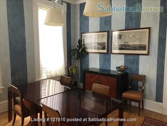 Chic European vibe:  light filled two bedroom apartment in the heart of  Lincoln Park, Chicago Home Rental in Chicago, Illinois, United States 6