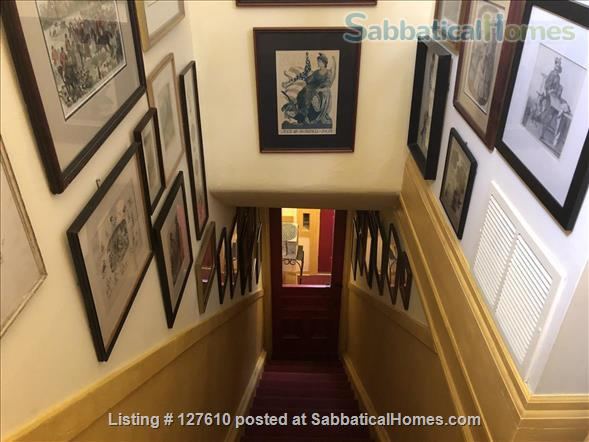 Chic European vibe:  light filled two bedroom apartment in the heart of  Lincoln Park, Chicago Home Rental in Chicago, Illinois, United States 7