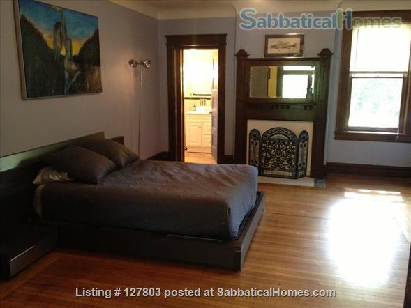 2-Level, 2-Bedroom, 2-Bath Apartment with Patio 15 minutes from Campus Home Rental in Pittsburgh, Pennsylvania, United States 0