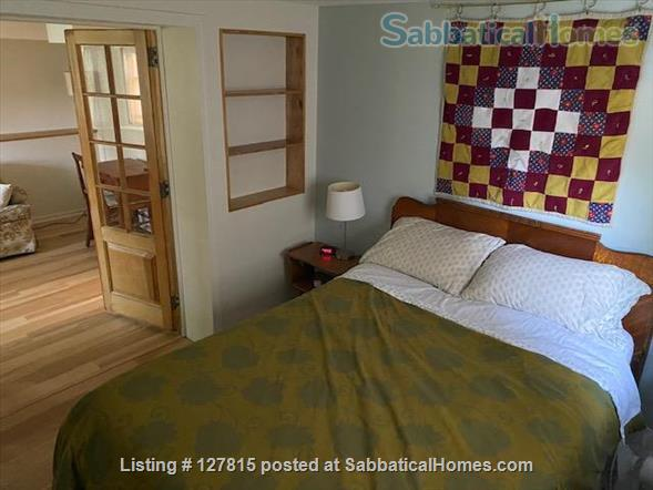 Cozy, Bright Basement Guest Suite Home Rental in Chicago, Illinois, United States 2