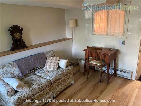Cozy, Bright Basement Guest Suite Home Rental in Chicago, Illinois, United States 4