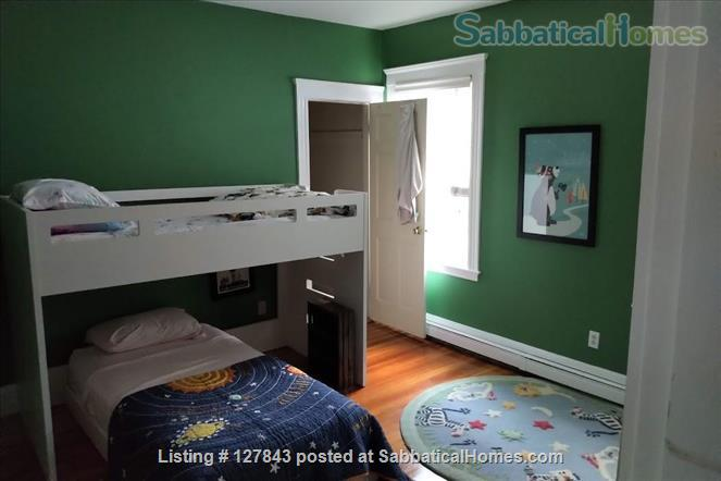Brookline / Longwood medical area 3BR home, sunny, open, w/ private roof deck Home Rental in Brookline, Massachusetts, United States 7