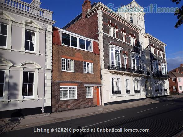 Renovated seafront four double bedroom house in historic Old Portsmouth 90 minutes by train to London.   Home Exchange in Portsmouth, England, United Kingdom 1