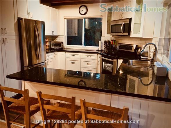 Mountain retreat home 10mins to 280, 20 mins to Stanford, stunning views Home Rental in Woodside, California, United States 3