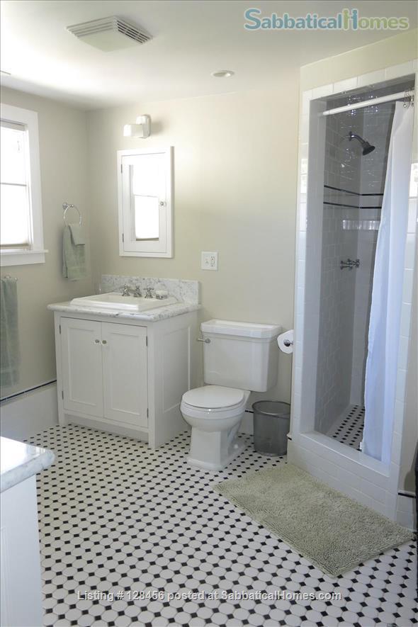 5 bed, 3.5 bath beautiful furnished home near University of Oregon Home Rental in Eugene, Oregon, United States 9