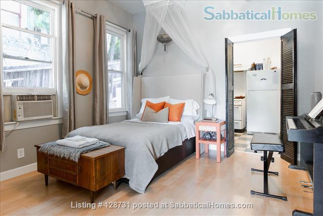 Quiet 1920's home with private porch Home Rental in Los Angeles, California, United States 2