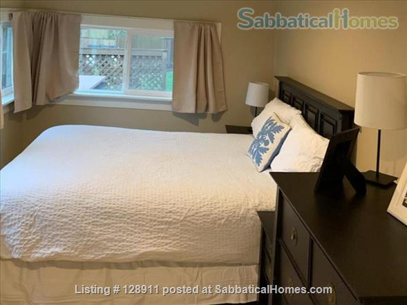 Charming house with HUGE, fully fenced yard in Multnomah Village! Home Rental in Portland, Oregon, United States 4