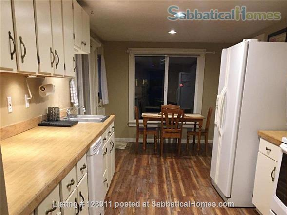Charming house with HUGE, fully fenced yard in Multnomah Village! Home Rental in Portland, Oregon, United States 5