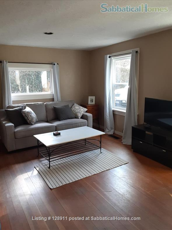 Charming house with HUGE, fully fenced yard in Multnomah Village! Home Rental in Portland, Oregon, United States 8