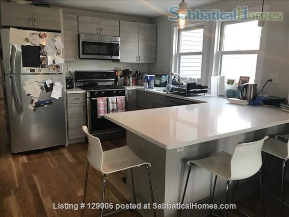 Bright, furnished 2 bed + 2 bath -- 15 min to MIT, Kendall, Harvard! Home Rental in Cambridge, Massachusetts, United States 4