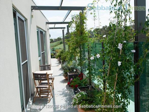 Beautiful modern 3 bedroom penthouse apartment, close to Melbourne University and the city Home Rental in Brunswick East, Victoria, Australia 8