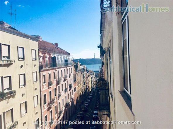 Three-bedroom apartment with river views Home Rental in Lisbon, Lisboa, Portugal 1