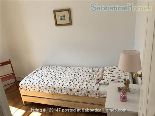 Three-bedroom apartment with river views Home Rental in Lisbon, Lisboa, Portugal 6