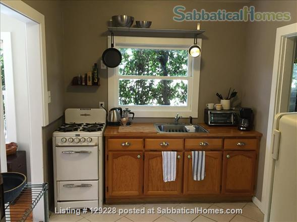 Highland Park Studio - Close to Occidental, Pasadena, Downtown Home Rental in Los Angeles, California, United States 2