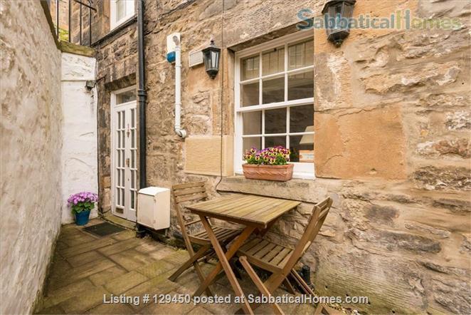 Edinburgh New Town - Super Mews Apartment Home Rental in Edinburgh, Scotland, United Kingdom 1