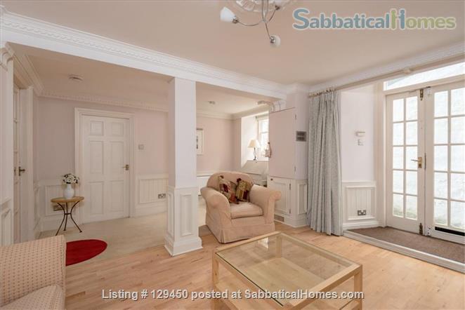 Edinburgh New Town - Super Mews Apartment Home Rental in Edinburgh, Scotland, United Kingdom 0