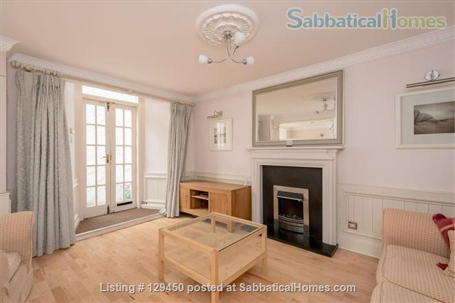 Edinburgh New Town - Super Mews Apartment Home Rental in Edinburgh, Scotland, United Kingdom 2