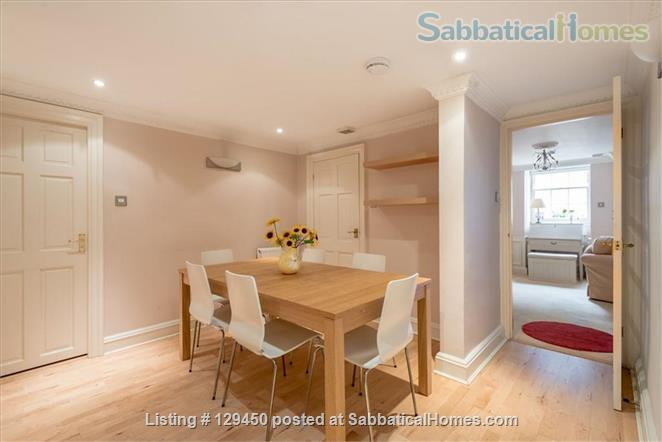 Edinburgh New Town - Super Mews Apartment Home Rental in Edinburgh, Scotland, United Kingdom 3