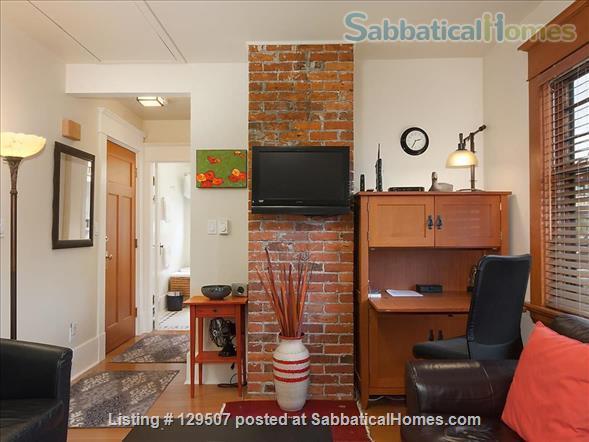 Deluxe Loft Suite - Best Neighborhood in Vancouver - Close to UBC Home Rental in Vancouver, British Columbia, Canada 3