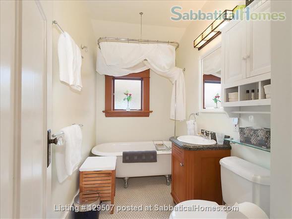 Deluxe Loft Suite - Best Neighborhood in Vancouver - Close to UBC Home Rental in Vancouver, British Columbia, Canada 5